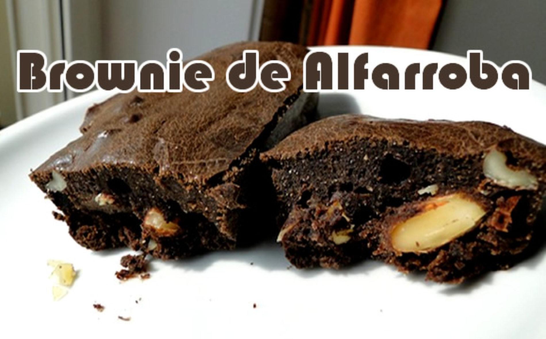 Brownie de alfarroba com amêndoas rico em energia