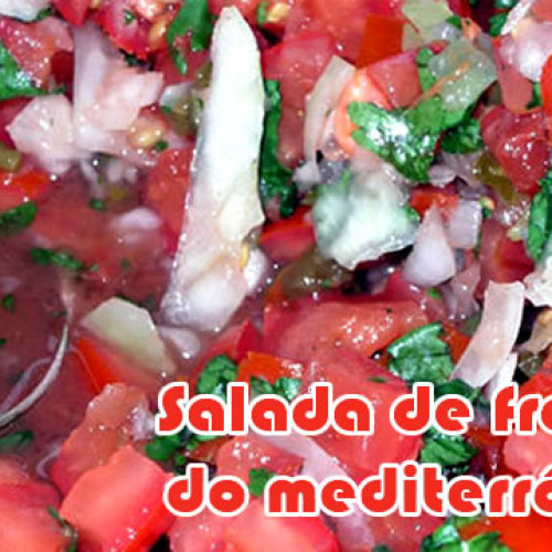 Salada de frango do mediterrâneo