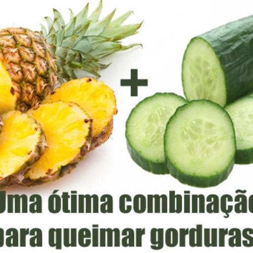 Suco de Pepino e Abacaxi que acaba com a gordura