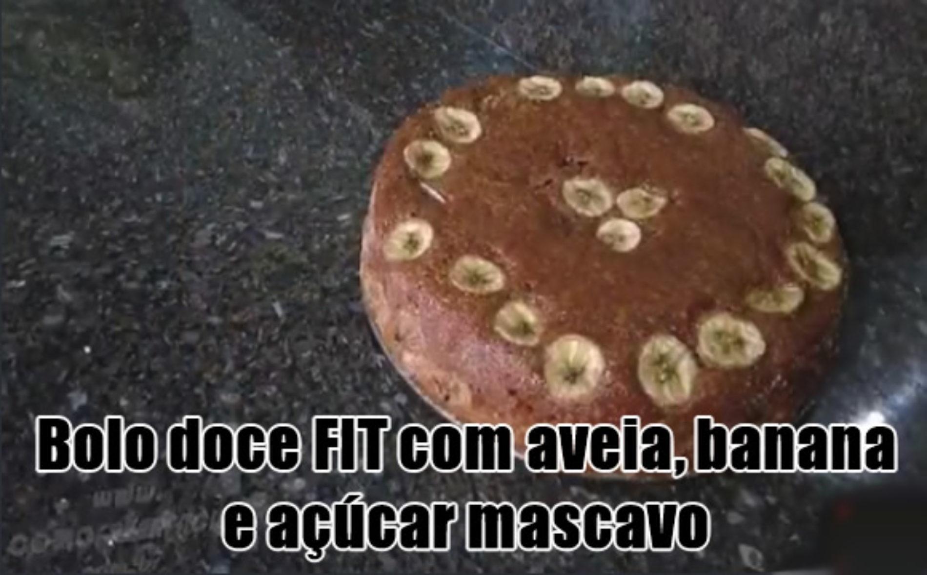 Receita de Bolo Doce FIT de banana, aveia e açúcar mascavo! COM VÍDEO